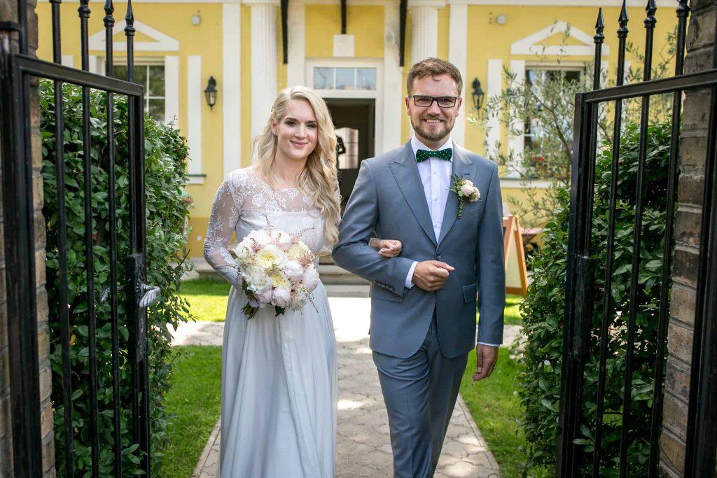 Nevěsta a ženich foto